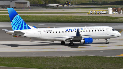 N625UX - United Express Embraer ERJ-175