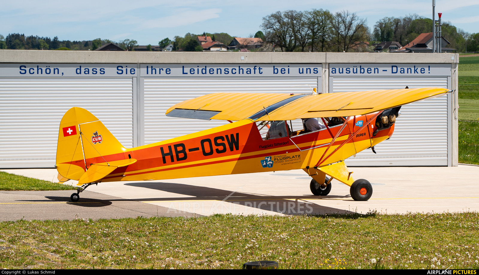 Private HB-OSW aircraft at Off Airport - Switzerland