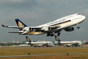 9V-SPM - Singapore Airlines Boeing 747-400