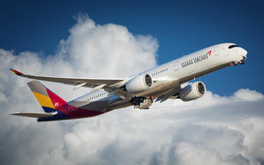 HL7771 - Asiana Airlines Airbus A350-900