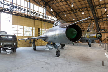 6513 - Czechoslovak - Air Force Sukhoi Su-7BKL