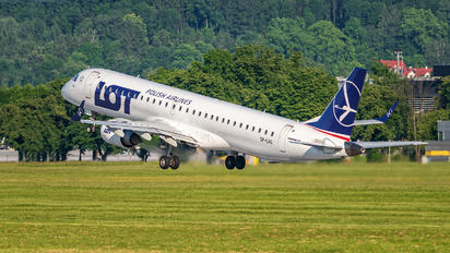 SP-LNG - LOT - Polish Airlines Embraer ERJ-195 (190-200)