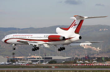 RA-85795 - Aviaprad Tupolev Tu-154M