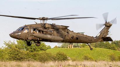 10-20311 - USA - Army Sikorsky UH-60M Black Hawk