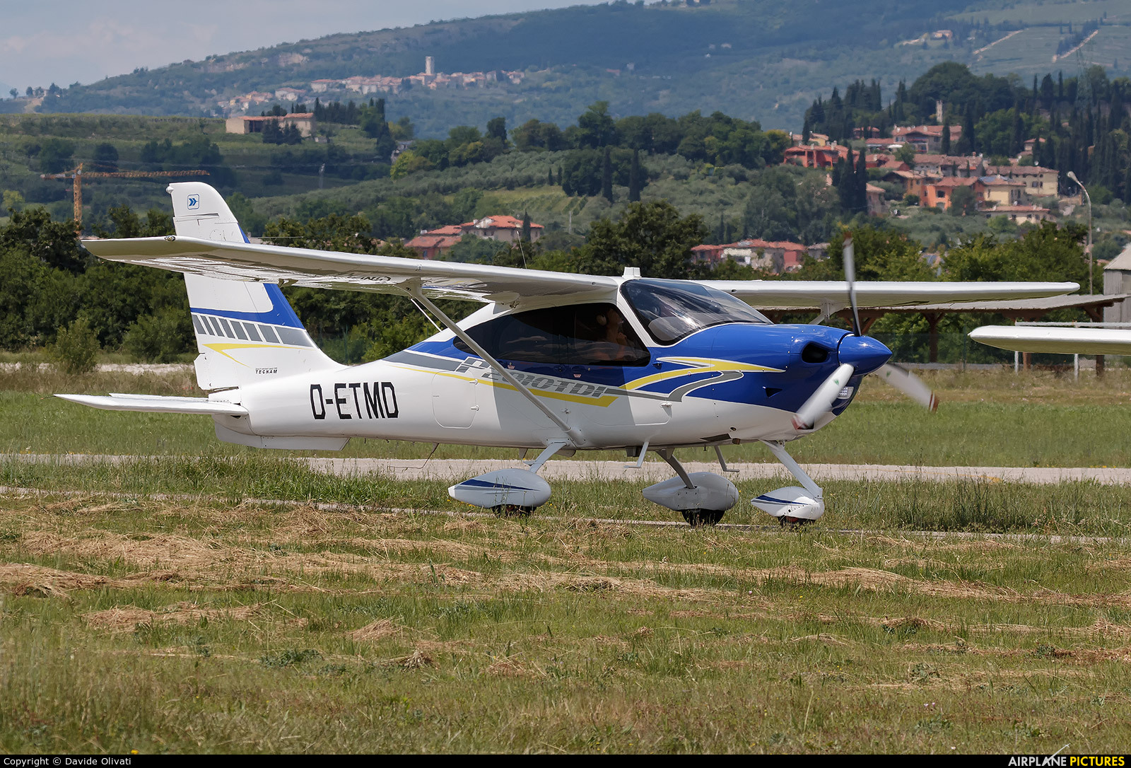 Private D-ETMD aircraft at Verona - Boscomantico