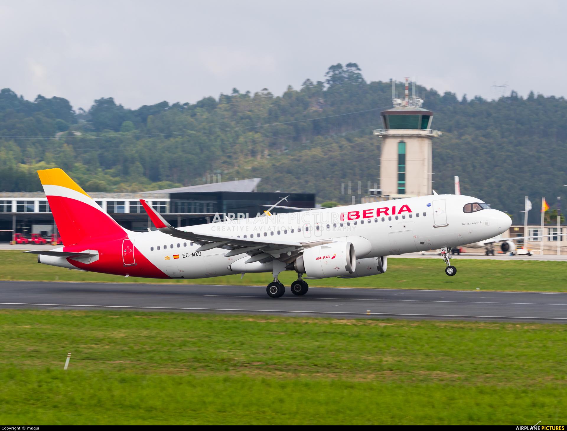 Iberia EC-MXU aircraft at La Coruña