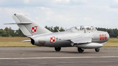 SP-YNZ - Private PZL SBLim-2