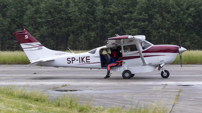 SP-IKE - Private Cessna 206 Stationair (all models)