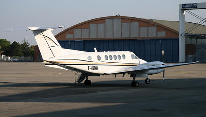 F-HBRU - Private Beechcraft 200 King Air