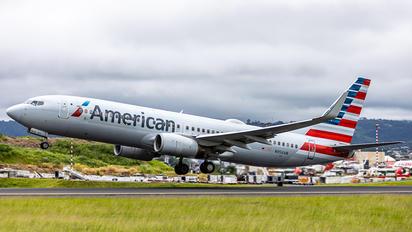 N956AN - American Airlines Boeing 737-800