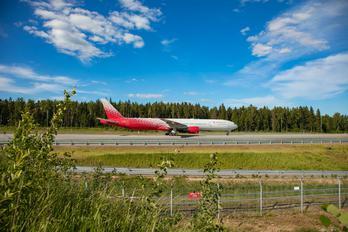 EI-UNM - Rossiya Boeing 777-300