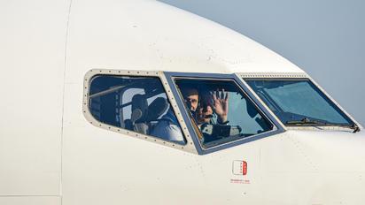 SP-ENV - Enter Air - Airport Overview - People, Pilot