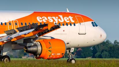 OE-IZV - easyJet Europe Airbus A320