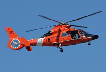 6532 - USA - Coast Guard Aerospatiale MH-65C Dolphin