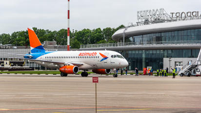 RA-89096 - Azimuth Sukhoi Superjet 100LR