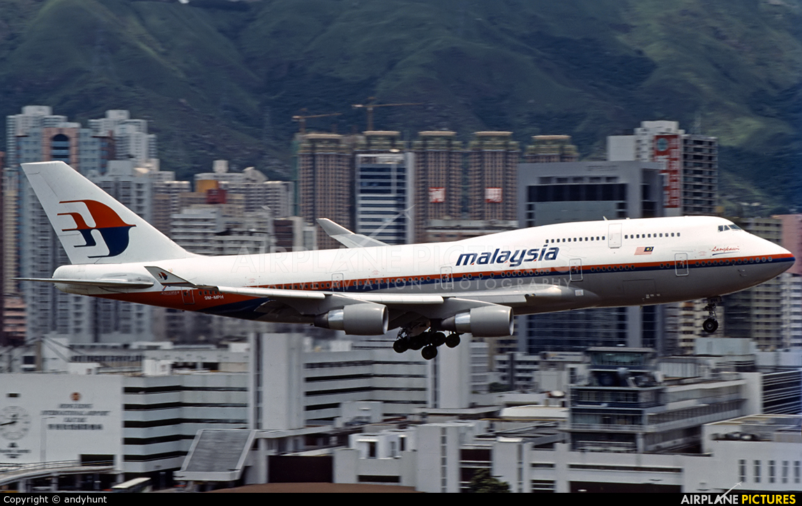 Malaysia Airlines 9M-MPH aircraft at HKG - Kai Tak Intl CLOSED
