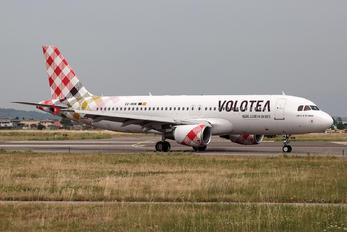 EC-NOM - Volotea Airlines Airbus A320