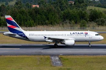 CC-BAT - LATAM Airbus A320