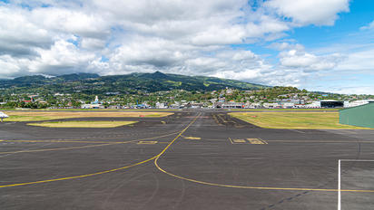 - - Air Tahiti Nui - Airport Overview - Runway, Taxiway