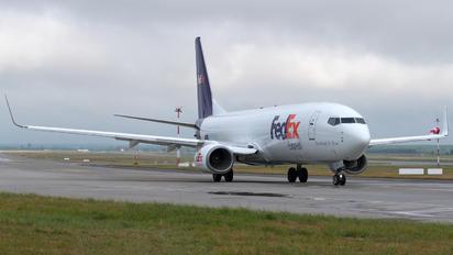 OE-IXA - FedEx Federal Express Boeing 737-8AS