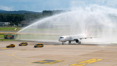 HB-AZI - Helvetic Airways Embraer ERJ-195-E2