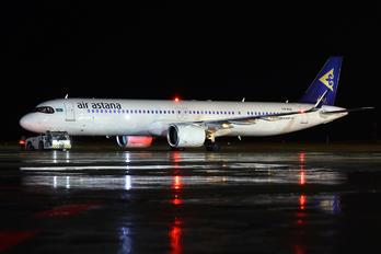 P4-KGE - Air Astana Airbus A321 NEO