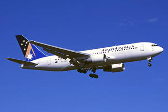 - - Ansett Australia Boeing 767-200