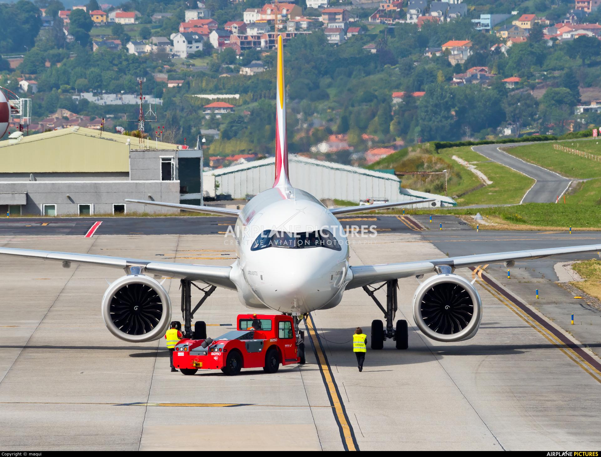 Iberia EC-NDN aircraft at La Coruña