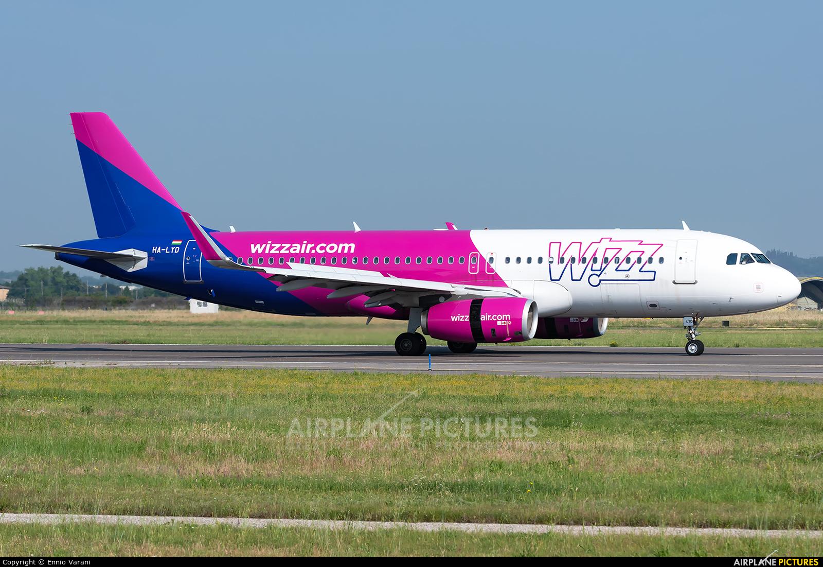 Wizz Air HA-LYD aircraft at Verona - Villafranca