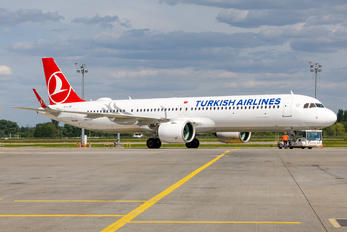 TC-LTB - Turkish Airlines Airbus A321 NEO