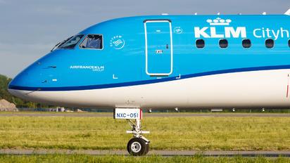 PH-NXC - KLM Embraer ERJ-195-E2