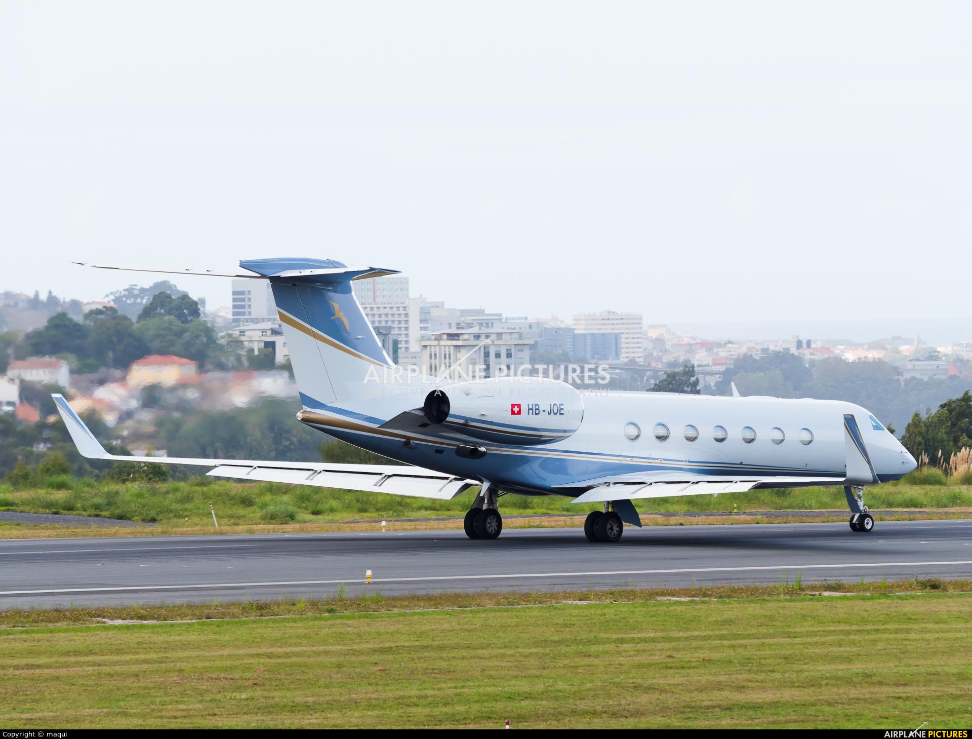 Private HB-JOE aircraft at La Coruña