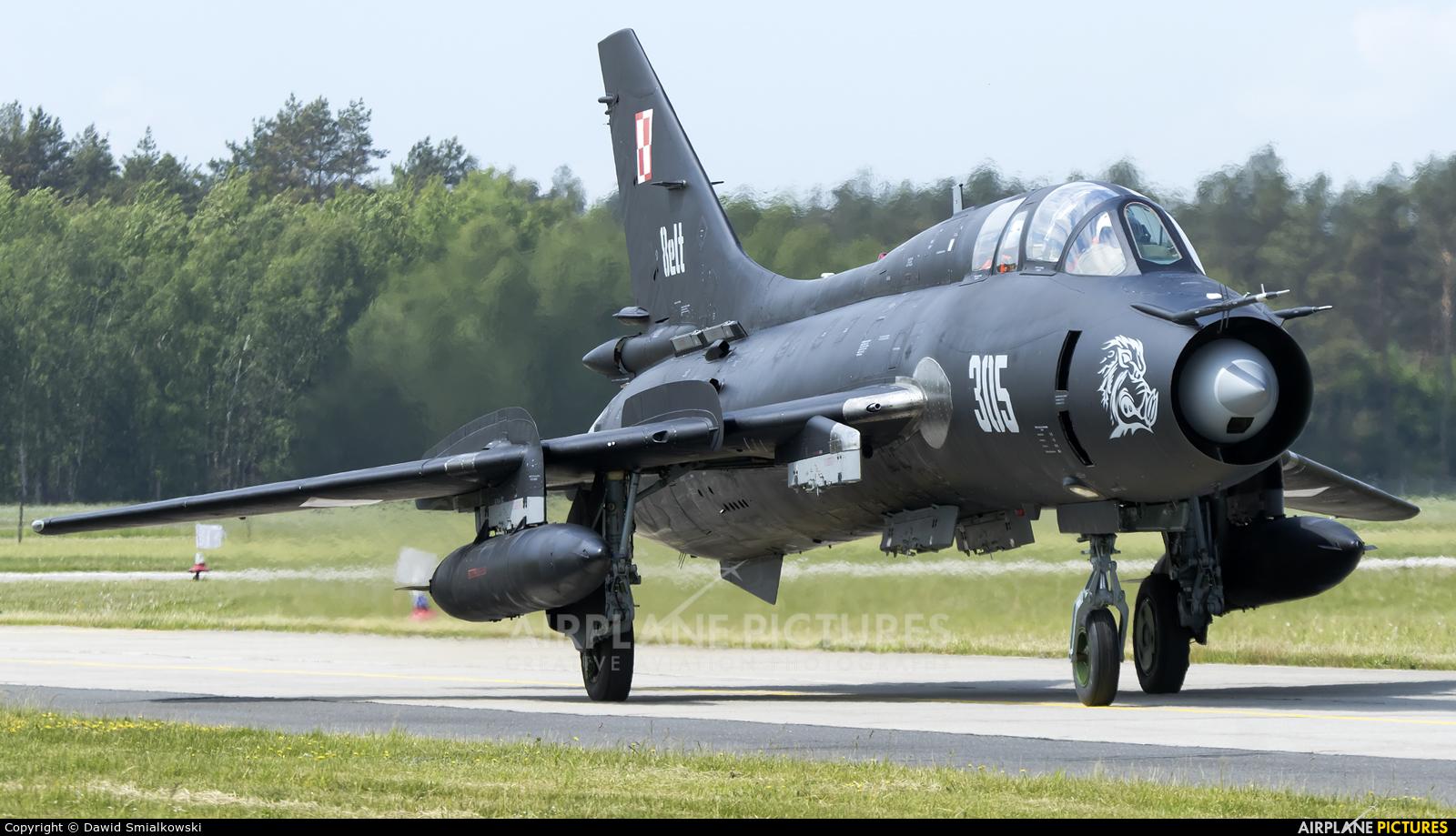 Poland - Air Force 305 aircraft at Świdwin
