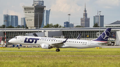 SP-LNP - LOT - Polish Airlines Embraer ERJ-195 (190-200)