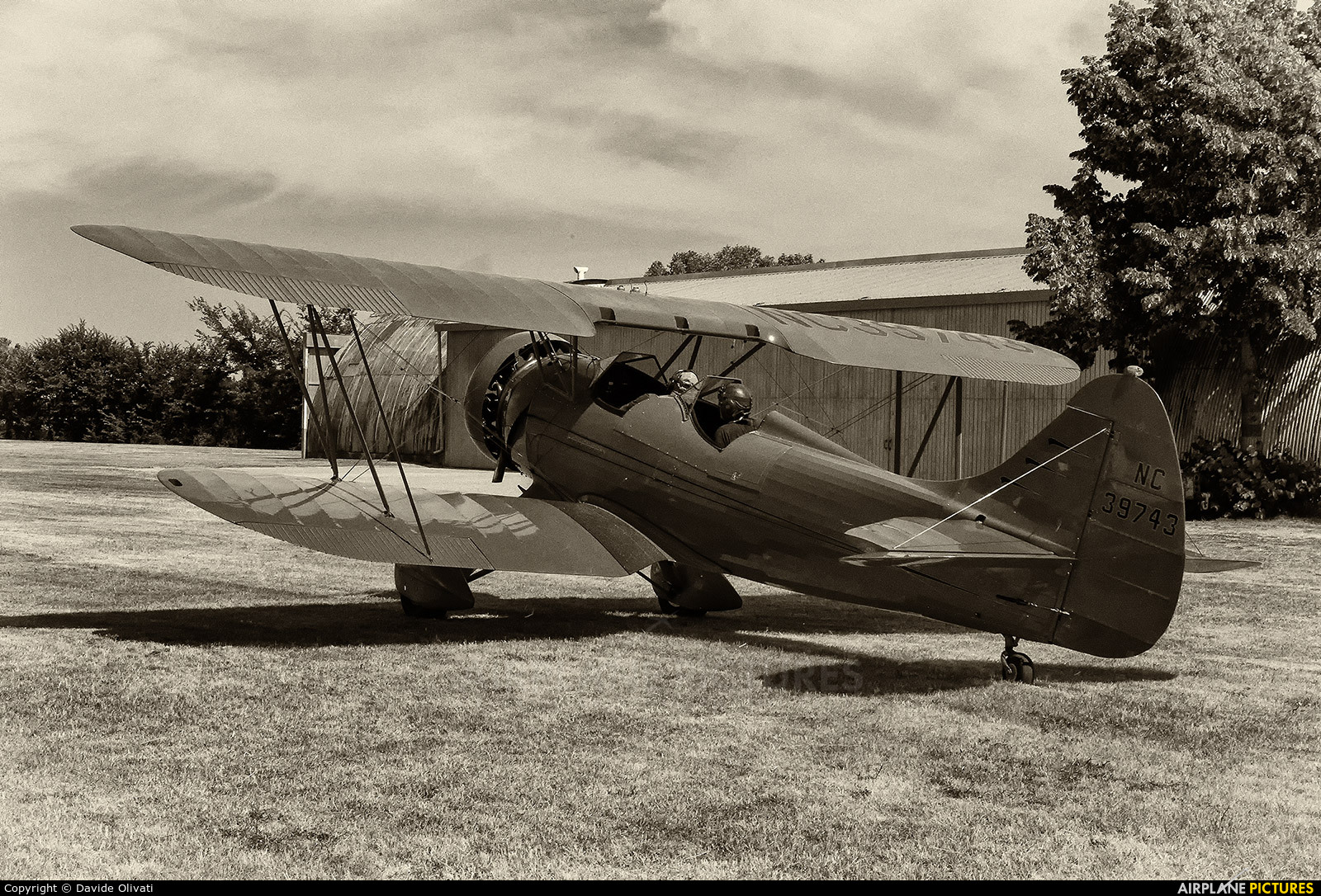 Private NC39743 aircraft at Prati Vecchi di Aguscello