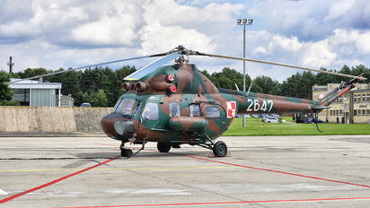 2647 - Poland - Air Force Mil Mi-2