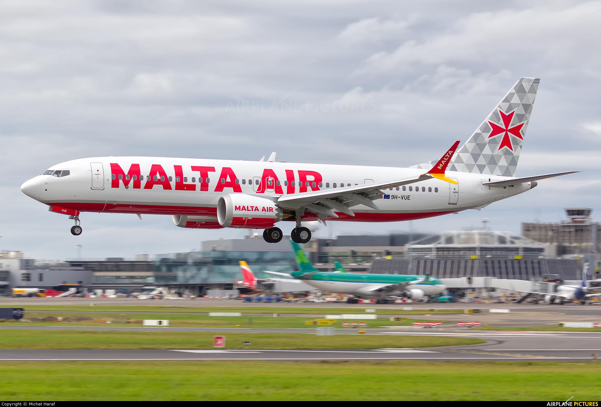 Malta Air 9H-VUE aircraft at Dublin