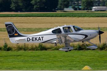 D-EKAT - Private Cirrus SR22T