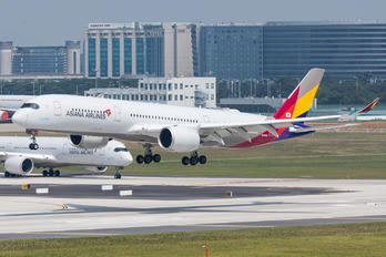 HL8382 - Asiana Airlines Airbus A350-900