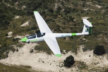 PH-1449 - Private Schleicher ASK-21