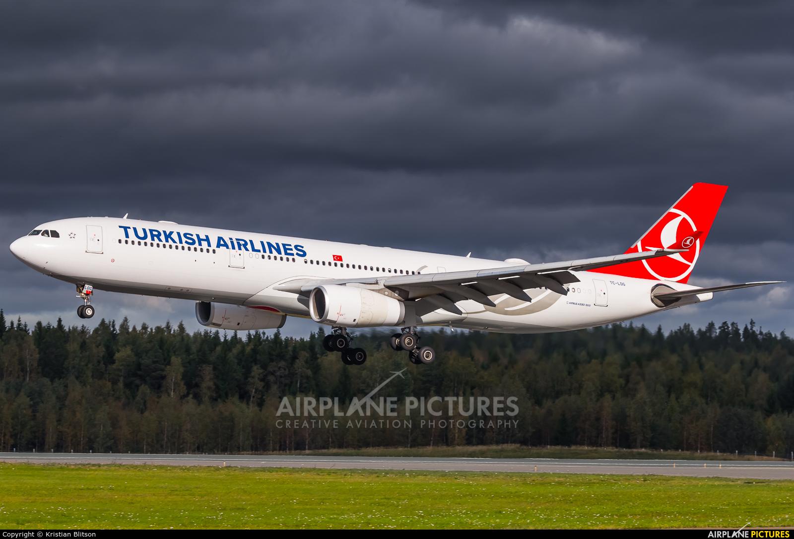 Turkish Airlines TC-LOG aircraft at Helsinki - Vantaa