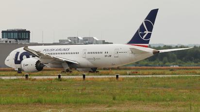 SP-LRF - LOT - Polish Airlines Boeing 787-8 Dreamliner