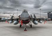 90-0729 - USA - Air Force General Dynamics F-16CG Night Falcon aircraft
