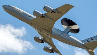 36-CB - France - Air Force Boeing E-3F Sentry