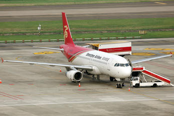 B-6571 - Shenzhen Airlines Airbus A320