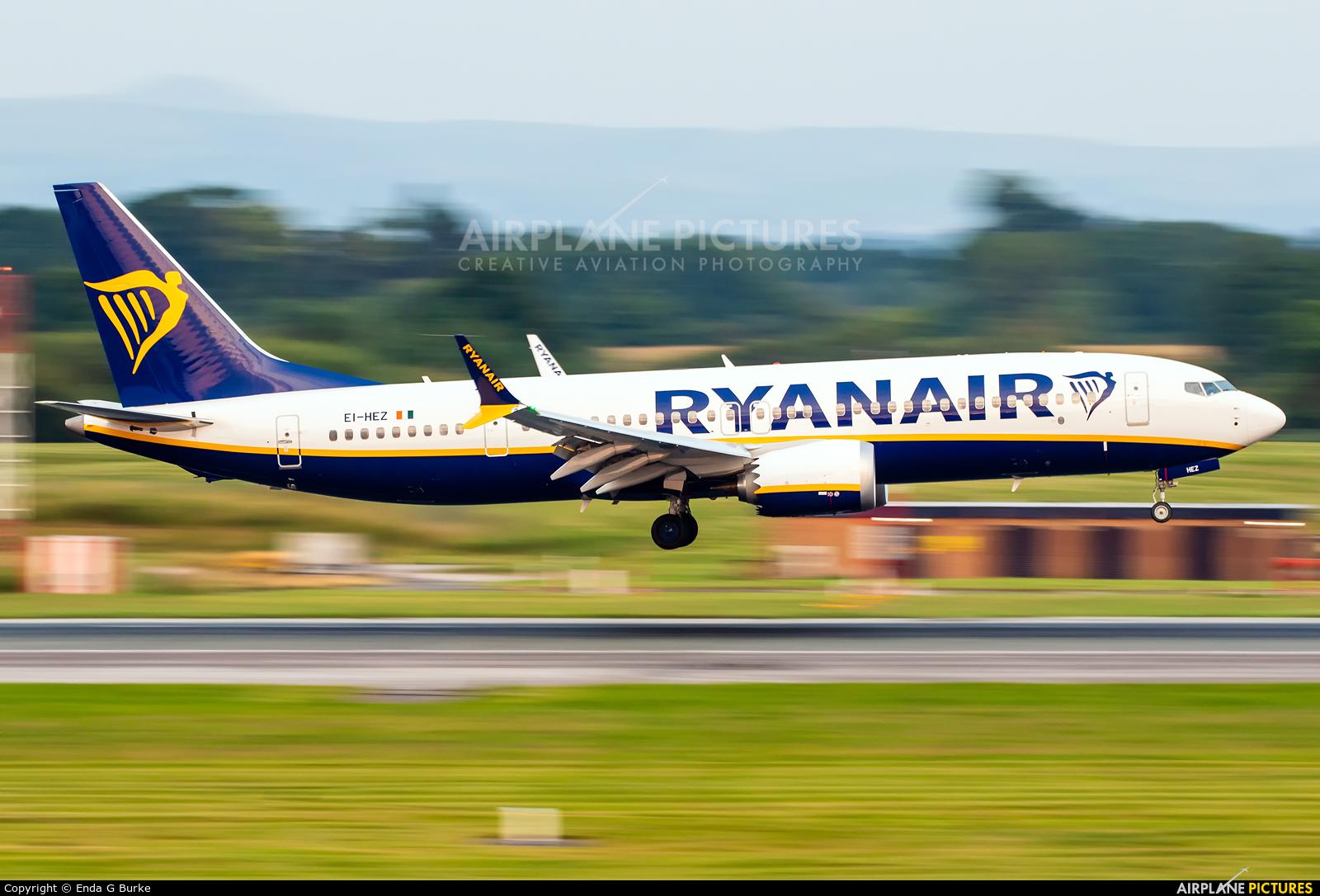 Ryanair EI-HEZ aircraft at Manchester