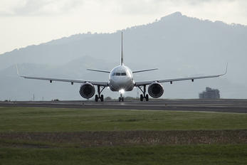 XA-VRH - Volaris Airbus A320 NEO