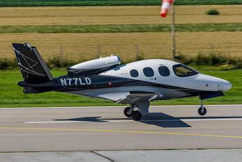 N77LD - Private Cirrus SF50-G2