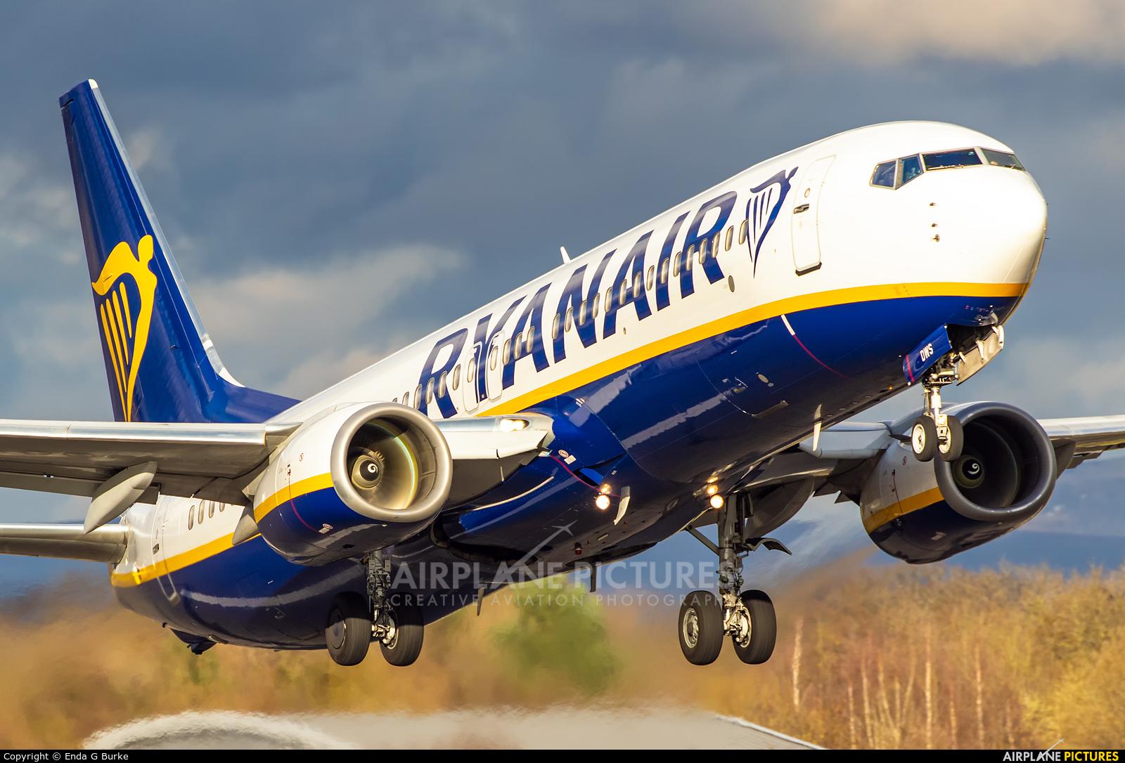 Ryanair EI-DWS aircraft at Manchester