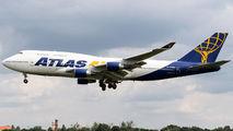 Rare visit of Atlas Air B744 to Poznań title=